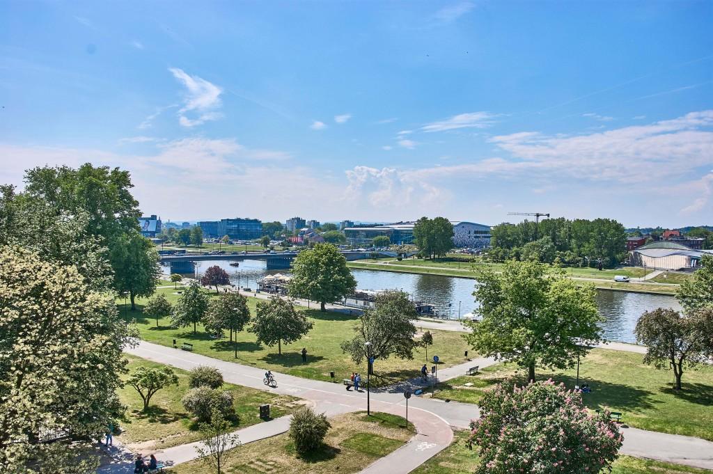 The fantastic view over the Vistula River and promenade from Baszta Sandomierska