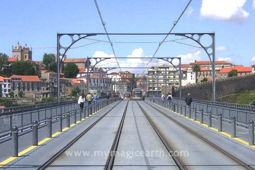 Metro on Ponte Dom Luís I; Porto walking trail;