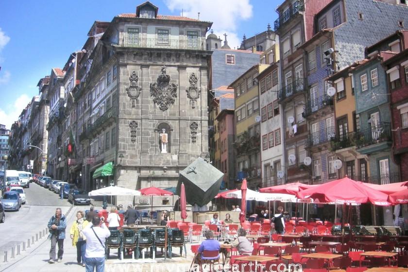 Praça da Ribeira, Porto Walking Trail