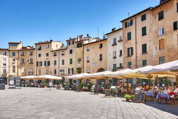 Piazza dell'Anfiteatro, Lucca, Tuscany summer itinerary