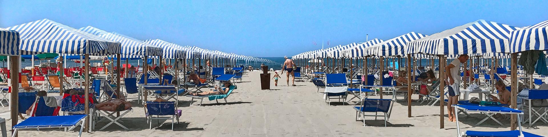 Beach settings from Bagno Eva