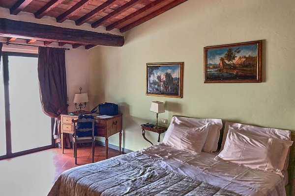 The main sleeping room from I Parigi Corbinelli Residenze, Tuscany
