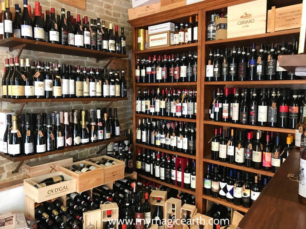 A type of italian restaurants, Enoteca in San Gimignano, Italy