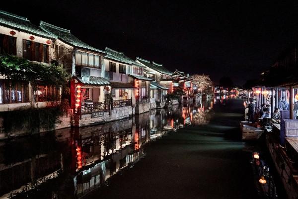 Night scene in Xitang water town