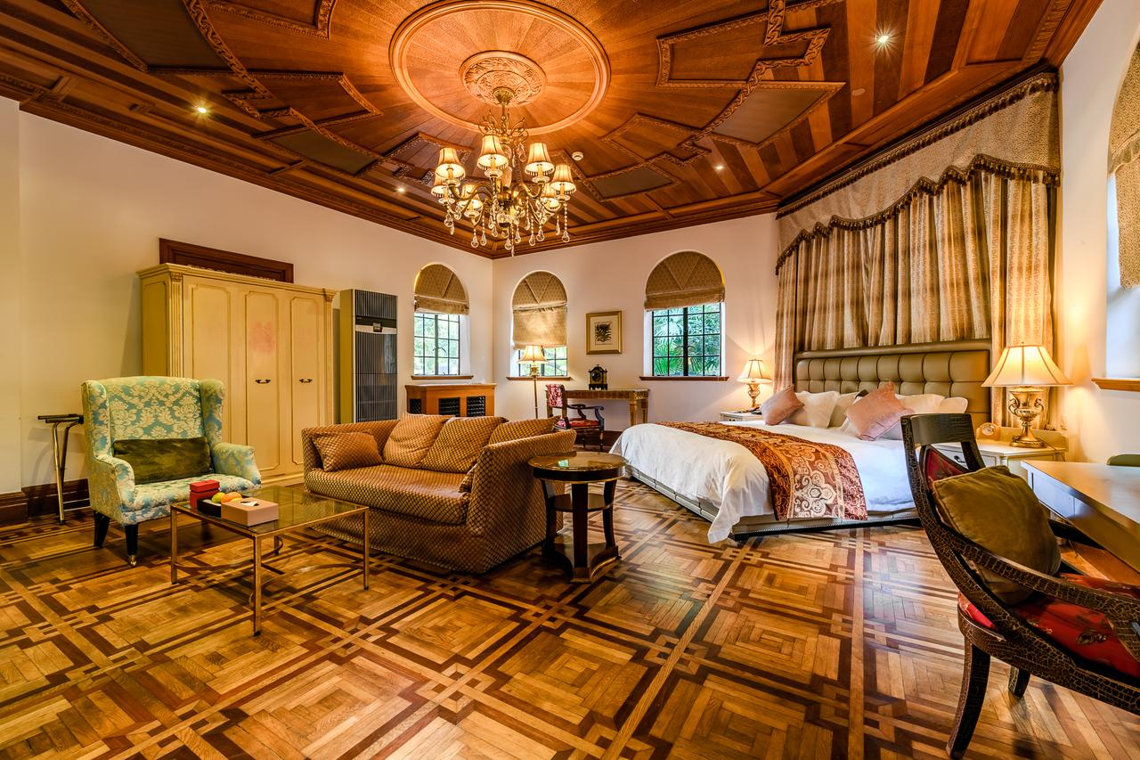 Shanghai Hengshan Moller Villa Hotel(衡山马勒别墅饭店)