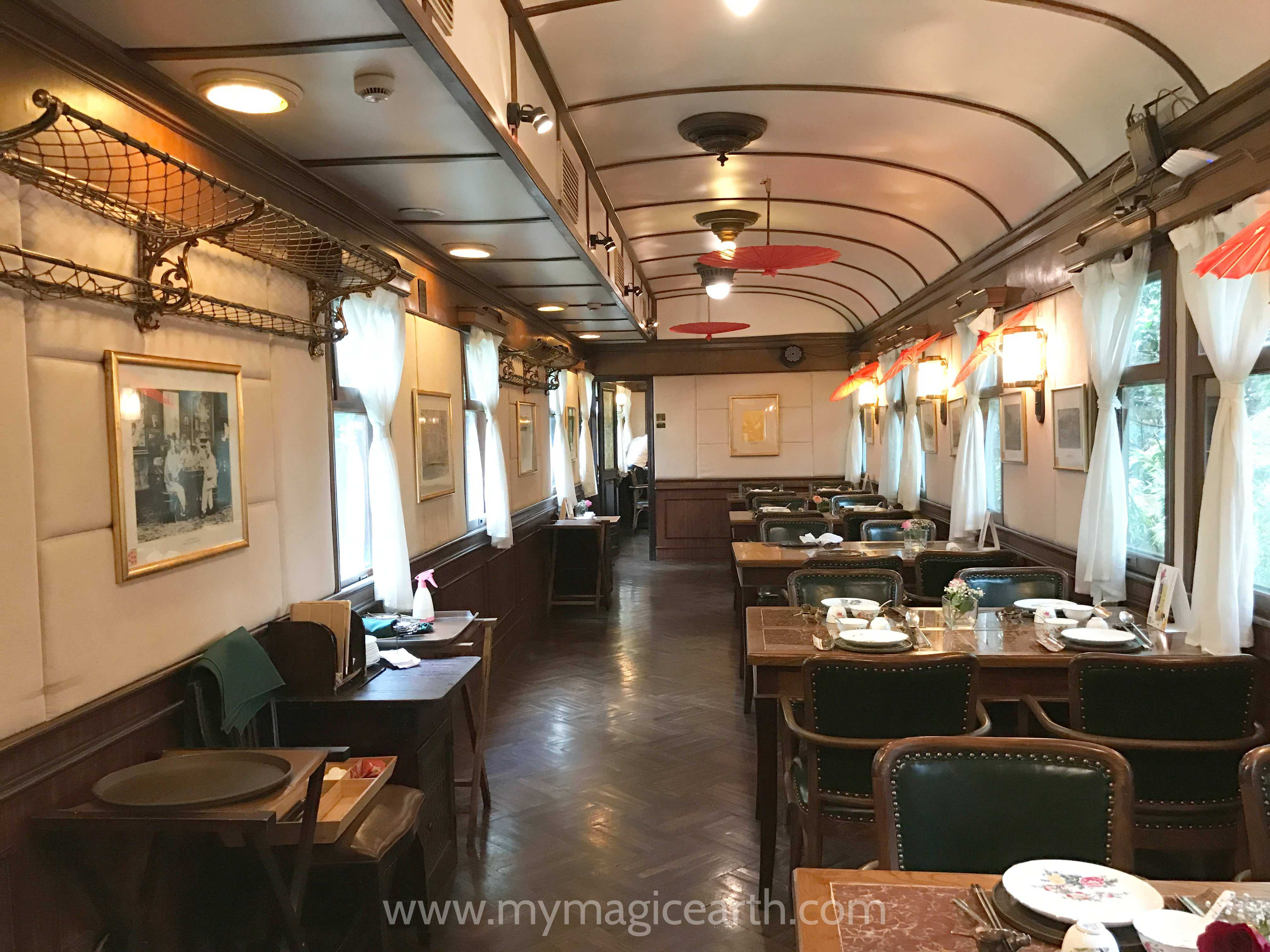 Seating tables of the restaurant inside the 97318 Official Car (97316 公务车) carriage