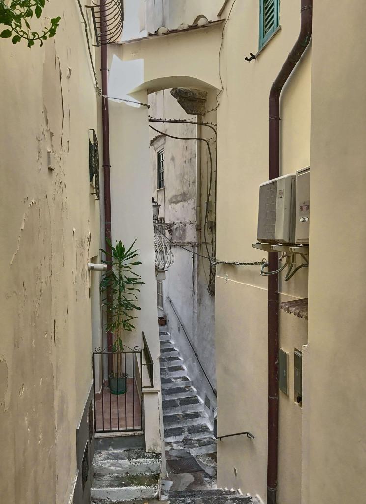 Lost in the narrow alleys of Atrani