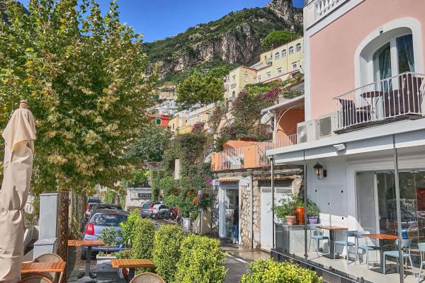 Hotel Villa Gabrisa with view over the Amalfi coast