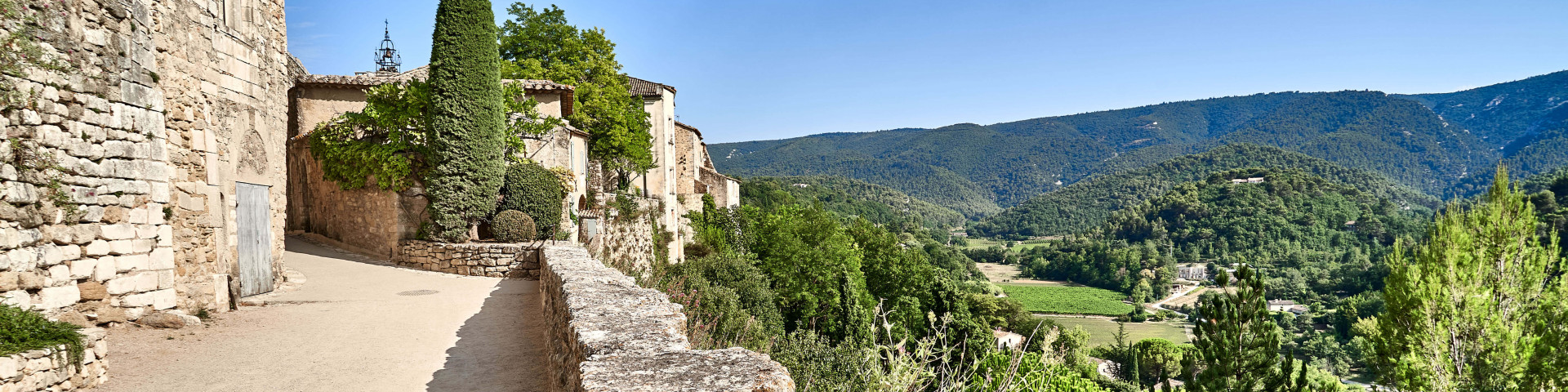 Menerbes in Luberon, Southern Provence Itinerary