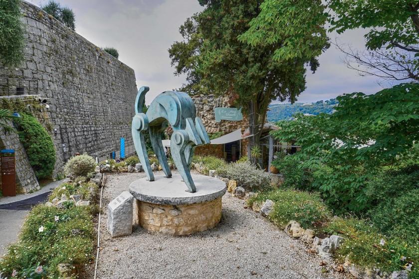 Sculpture at the entrance of Art Village Of Saint-Paul-de-Vence