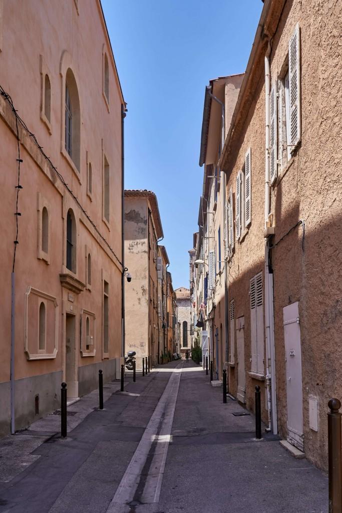 Narrow Alley in La Ciotat
