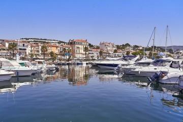 Harbour front in Bandol; Côte d'Azur Resort Bandol