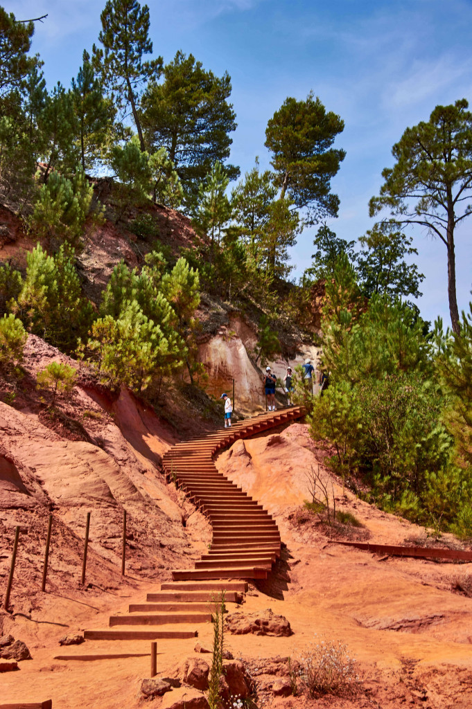 The boardwalk of the Ochre Trail, Roussillon
