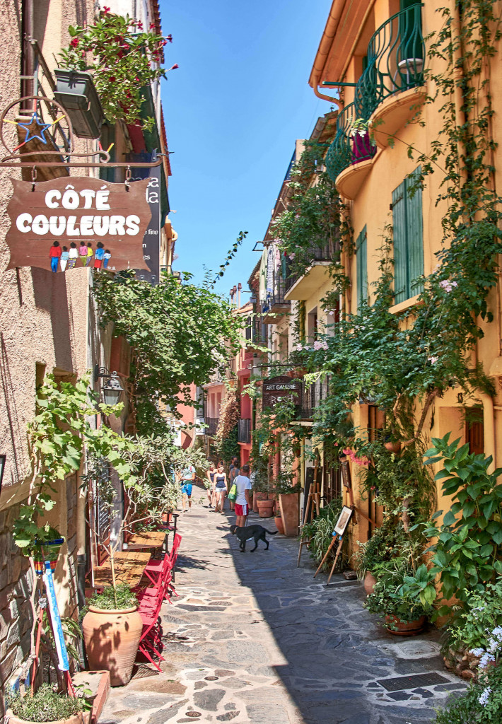 Narrow street in Collioure, France; the Pyrenees itinerary