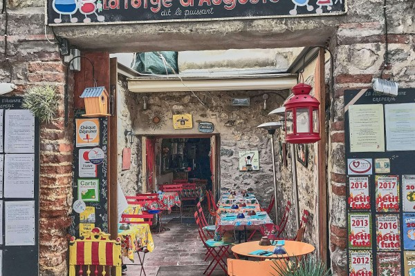A colourful decorated Crêpe eatery in Villefranche-