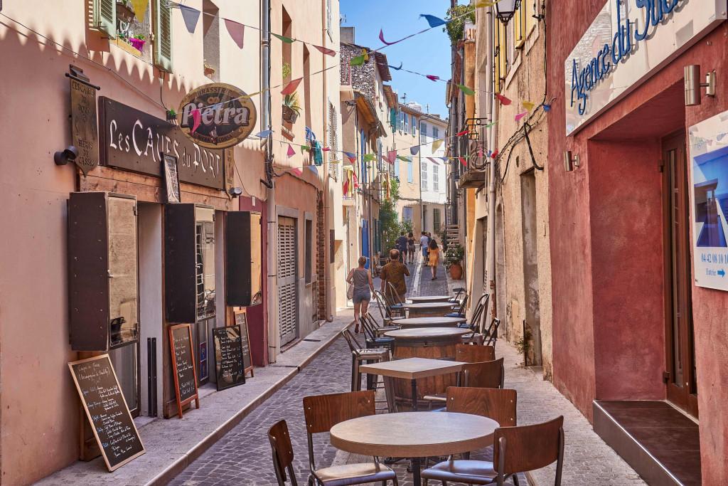 narrow alleyways in Provençal Villages; Cassis