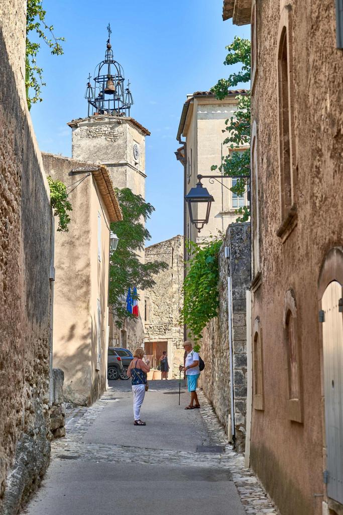 Menerbes; narrow alleyways in Provençal Villages;