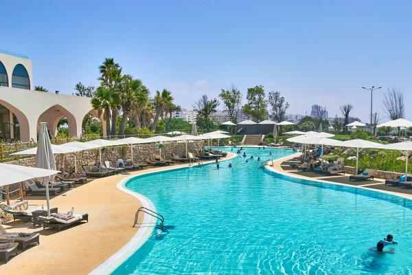 Swimming pool of Crowne Plaza Vilamoura