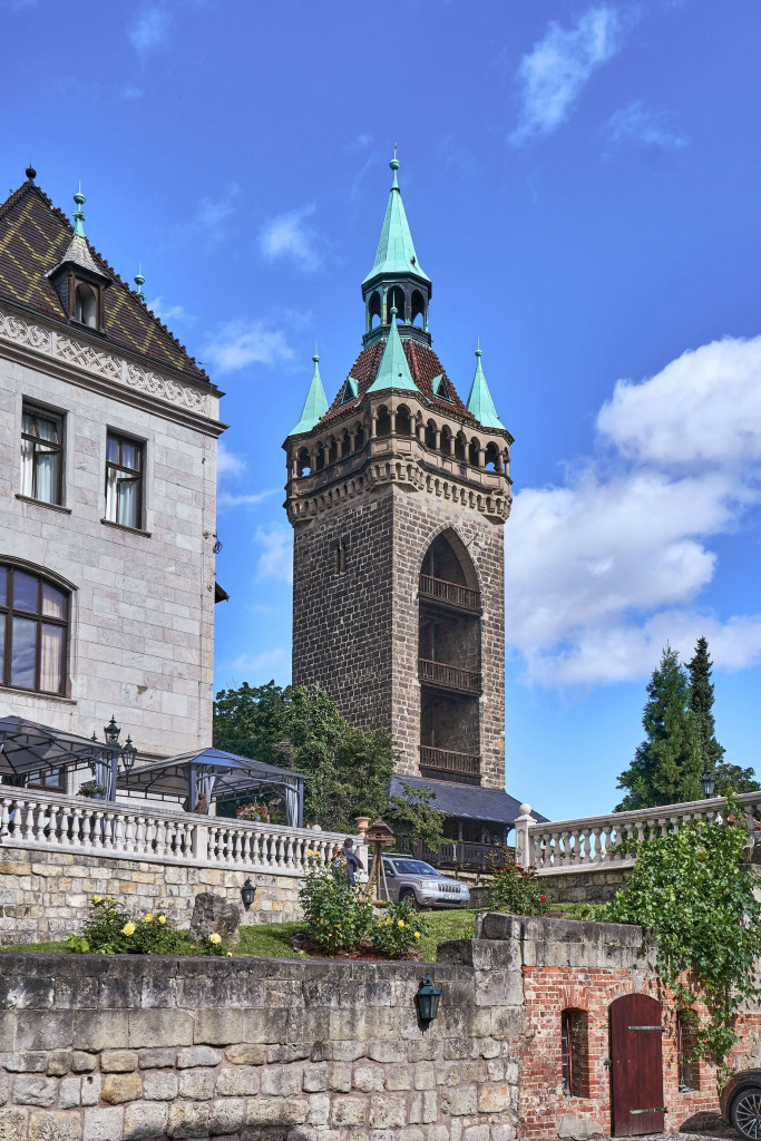 The Sternkiekerturm is about 200 metres northwest of the Quedlinburg market square.