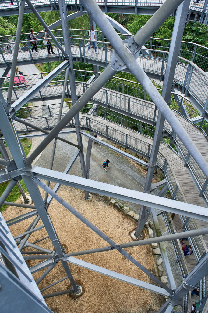 The treetop trail in Bad Harzburg starts from a giant wooden and oval steel structure.